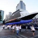 ms Koningsdam als 'zwevend cruiseschip'