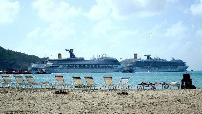 Royal Caribbean Group stoot vier cruiseschepen af