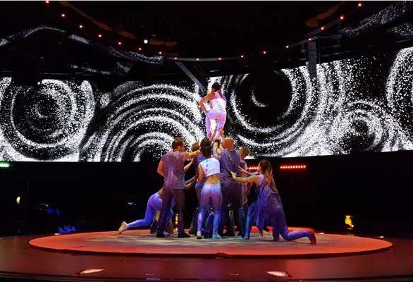 Cirque du Soleil at Sea © Nico van Dijk