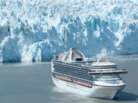 De Crown Princess in Glacier Bay, Alaska © Princess Cruises