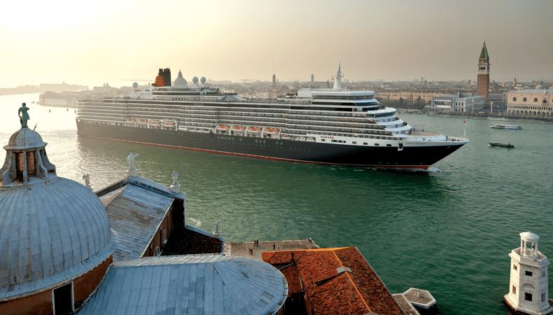 Cruise met Cunard Line: de Queen Elizabeth in Venetië. © Cunard Line
