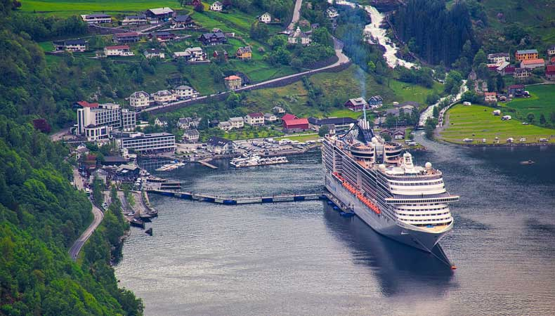 Cruise naar Noorwegen met MSC Cruises en ontdek de Geirangerfjord © BazzaBoy via Pixabay