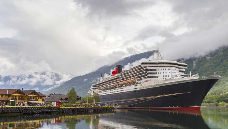 Cruises naar de Noorse fjorden: de Queen Mary 2 van Cunard in Flam. © Neil Morrell via Pixabay