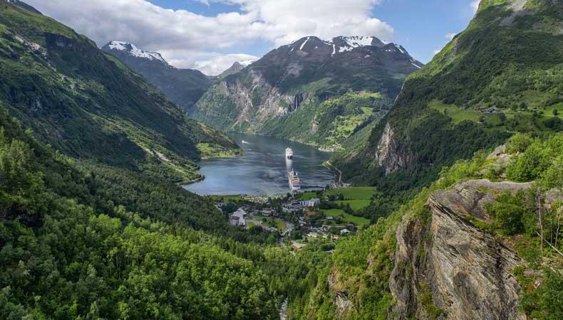 Ga cruisen in de meivakantie. Een cruise naar de Noorse fjorden bijvoorbeeld. © Enrique Lopez Garre via Pixabay