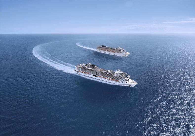 De MSC Grandiosa (voorgrond) en de MSC Magnifica gaan weer cruisen in de Middellandse Zee © MSC Cruises