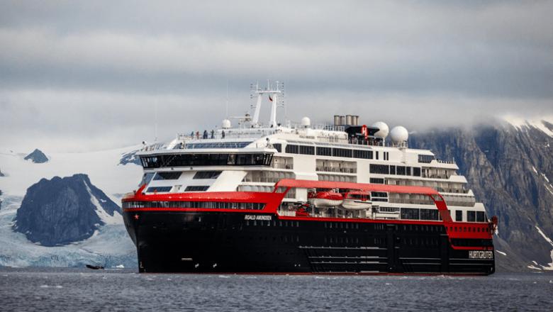 Hurtigruten schort cruises op om Covid-uitbraak