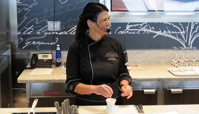 Chef Instructor Linda Miller © Nico van Dijk/Decruisegids.nl