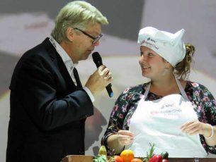 Topkok Robert Kranenborg en de latere winnares Jody Mijts bij MSC Masterchef at Sea  ©  Nico van Dijk