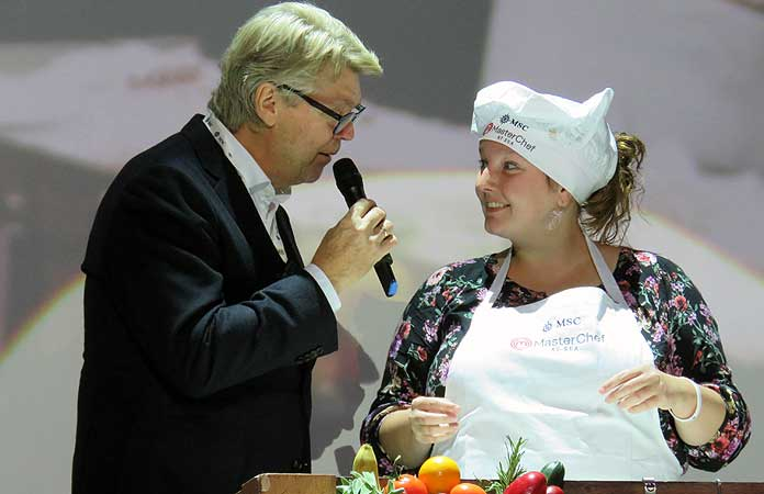 Topkok Robert Kranenborg en de latere winnares Jody Mijts tijdens MSC Masterchef at Sea © Nico van Dijk