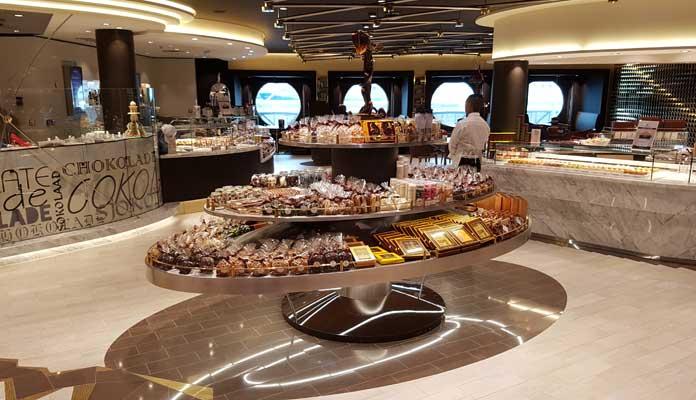 De chocolaterie aan boord van de MSC Meraviglia. © Nico van Dijk