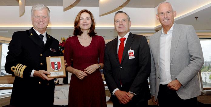 Van links naar rechts: Sybe de Boer, Alma Prins Droog, Dick de Graaff en Nico Bleichrodt. (via Aviareps)