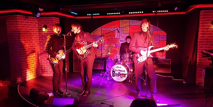 The Beatles tribute-band in de Cavern Club op de Norwegian Encore © Nico van Dijk/Decruisegids.nl