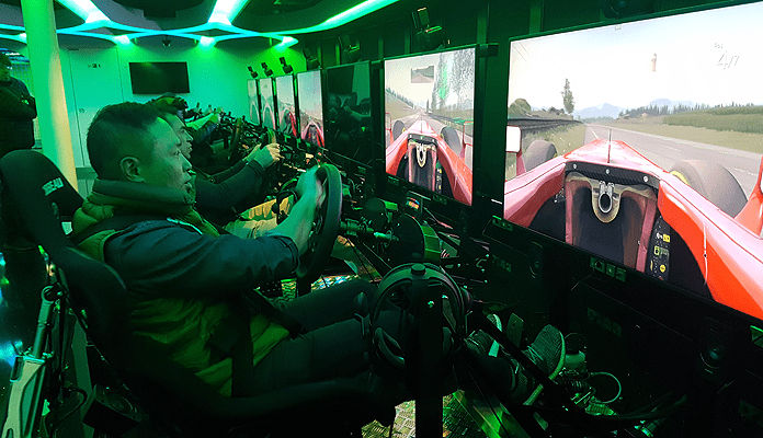 Volop virtual reality-games in The Galaxy Pavilion © Nico van Dijk