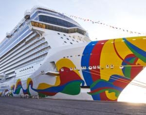 De Norwegian Encore tijdens de inaugurele cruise vanuit Bremerhaven © NCL Laura Thiesbrummel