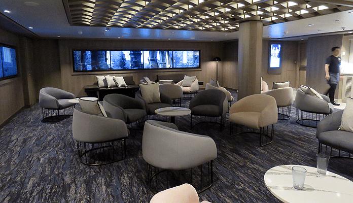 Studio Lounge voor singles op de Norwegian Encore © Nico van Dijk