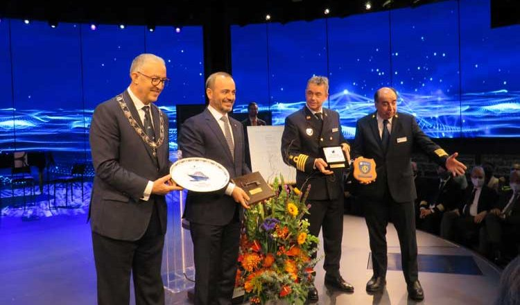 Prinses Margriet wordt doopvrouw nieuwe Rotterdam van Holland America Line