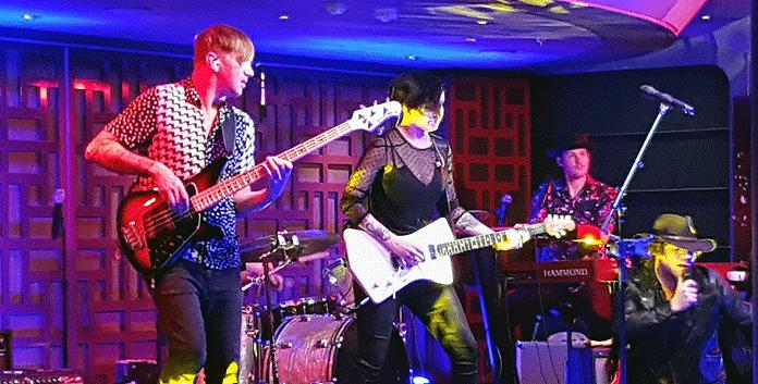 Rock 'n Roll in de Rolling Stone Rock Room © Nico van Dijk