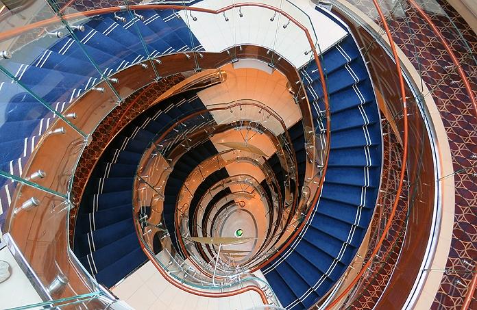 Seabourn Ovation Atrium © Nico van Dijk