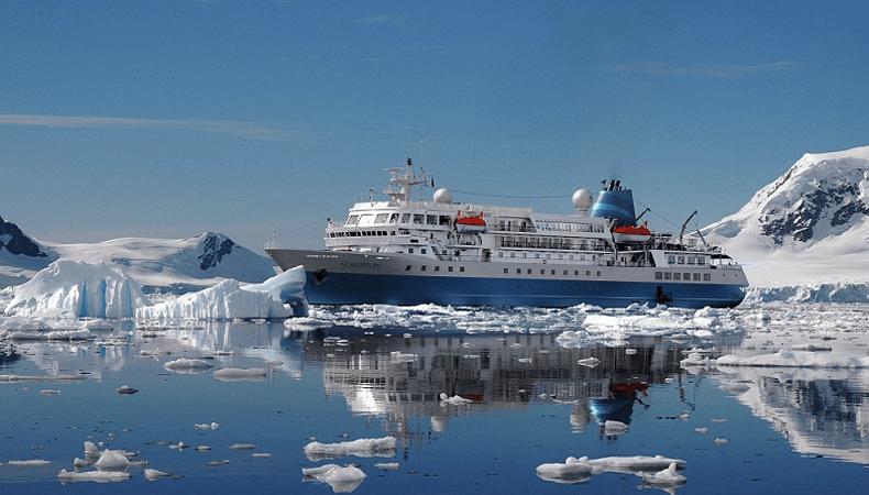 Het expeditieschip Seaventure van Viva Cruises tijdens ijzige expedities in een vorig leven. © Viva Cruises