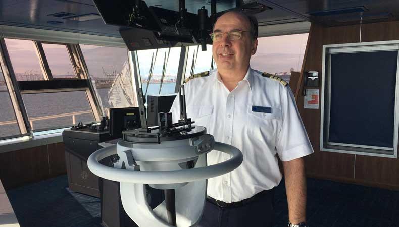 Werner Timmers wordt kapitein van de Rotterdam, het nieuwe schip van Holland America Line. © Holland America Line